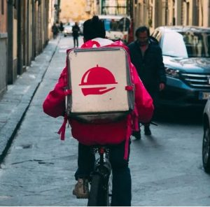 Article 10 Online Food Delivery Melbourne 300x296 - The Perks of Online Food Delivery – Taste Homemade Food Even On-the-go!